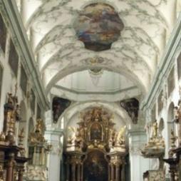 Firmung in der Stiftskirche St. Peter