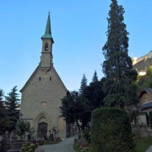 Die Margaretenkapelle mitten im Friedhof von St. Peter © Erzbatei