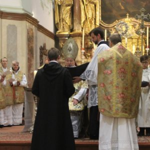 fr. Jakob mit Erzabt Korbinian und P. Georg, dem Novizenmeister