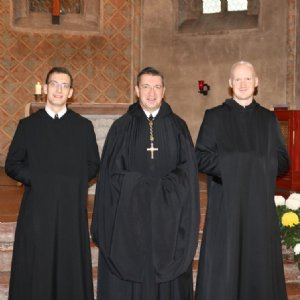 Erzabt Korbinian mit fr. Vitalis und fr. Placidus © Erzabtei