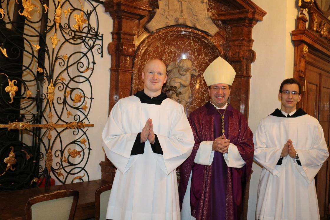 Nach dem Gottesdienst fr. Vitalis, Erzabt Korbinian und fr. Placidus © Erzabtei