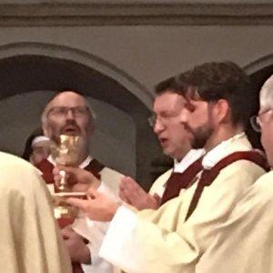 Aufstellung zur Prozession zum Gottesdienst mit dem Erzbischof in den Dom (Foto: Jungschar)