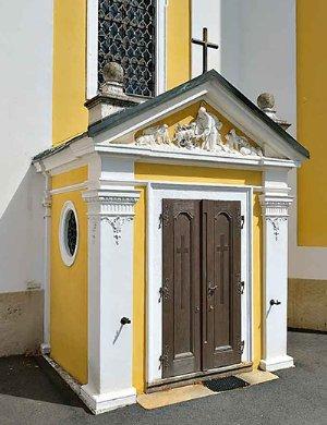 Portalvorbau der Pfarrkirche hl. Jonannes der Täufer von 1896