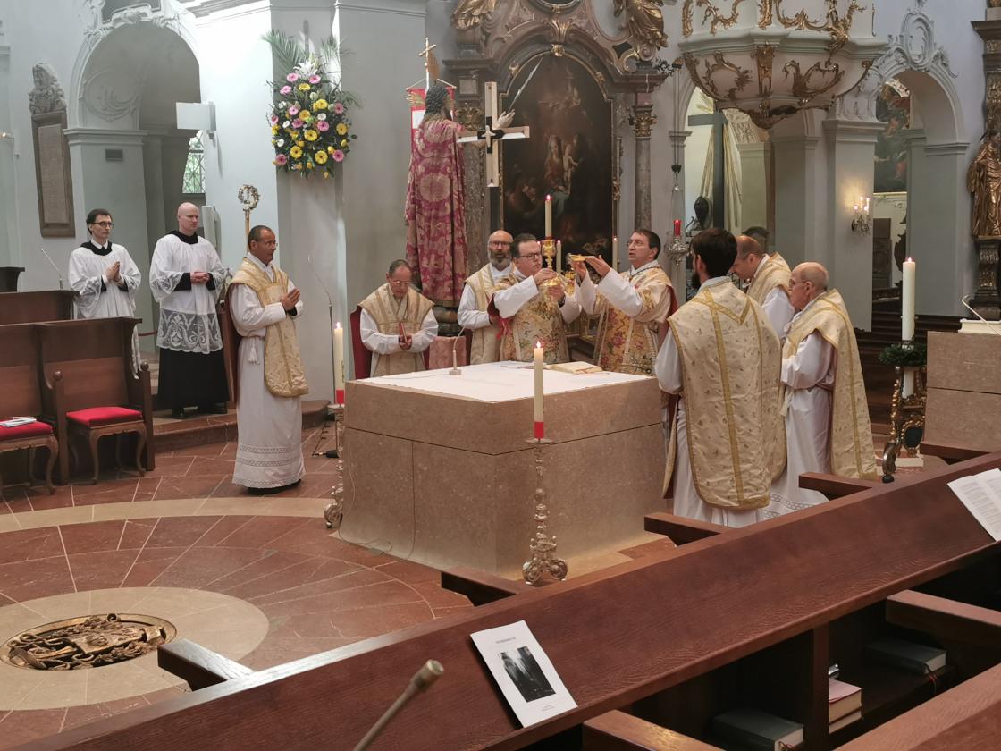Gemeinsame Eucharistiefeier am Osterhochamt © Erzabtei