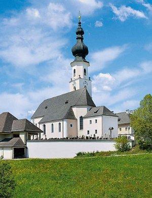 Dekanatspfarrkirche Unserer Lieben Frau Geburt in Köstendorf