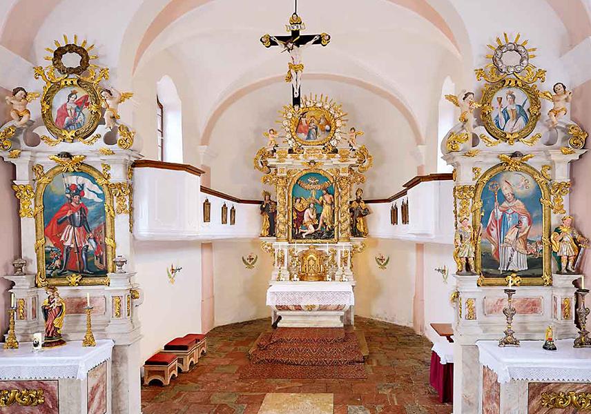 Innenraum der Filialkirche zum hl. Johannes dem Täufer