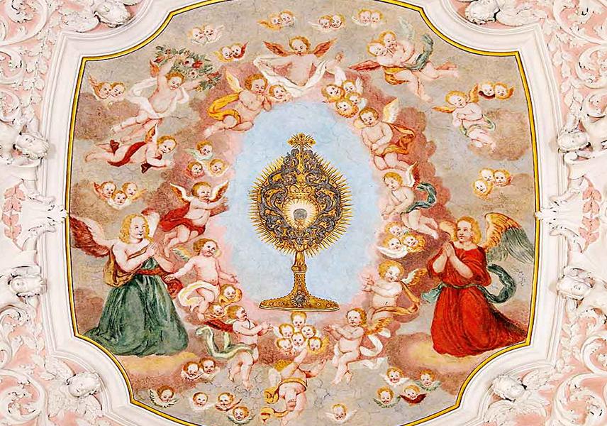 Monstranz in der Mitte eines Engelreigens, Deckenfresko aus der Zeit um 1700