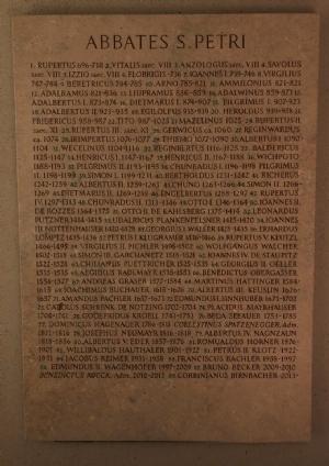 Marmortafel aller Äbte von St. Peter © Erzabtei